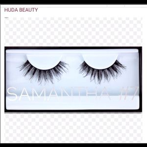 HUDA BEAUTY Makeup - Bring on the sexy lash 👀👀👀